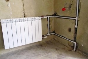 Опалювальні труби в стіні