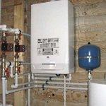 Який опалювальний котел вибрати для приватного будинку – порівняння настінних і підлогових пристроїв
