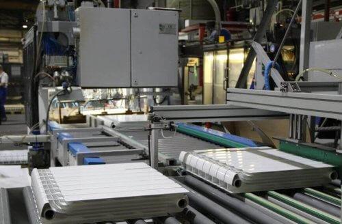 Лінія виробництва радіаторів опалення.