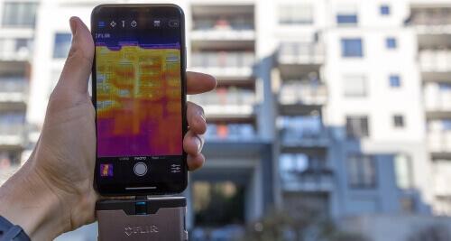 Тепловізор на смартфоні для енергоаудиту.