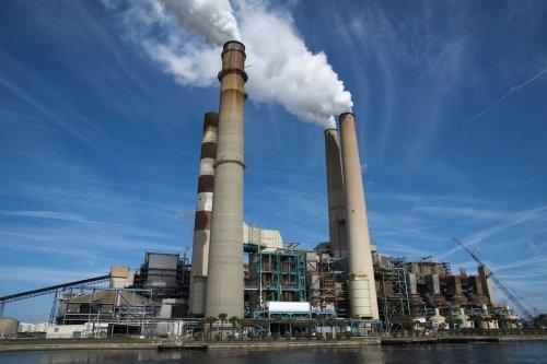 Електростанція виробляє тепло для опалення.