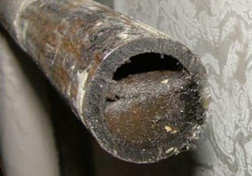 Труба забита брудом- промивка системи опалення.