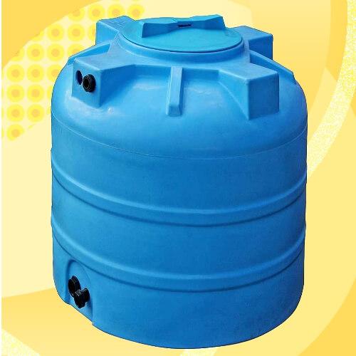 Бак для води з широкою інспекційною кришкою.