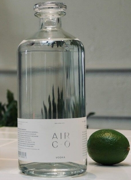Пляшка горілки Air Co.