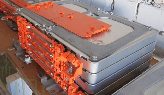 Акумулятор для електромобіля.